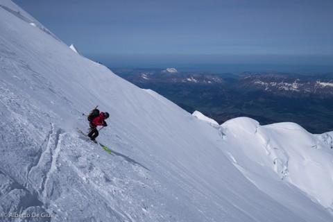Prime curve sulla Nord del Monte Bianco.
