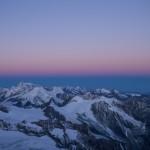 I colori del cielo poco prima del sorgere del sole. Dent Blanche.