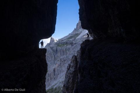 La classica foto sulla Cengia Salvezza. Strada degli Alpini.