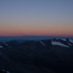 Le prime luci verso Ovest dalla Fourcla Prievlusa. Biancograt.