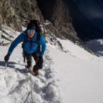 Graham sul primo ripido pendio di neve della Biancograt. Piz Bernina.