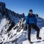 In cima al Pizzo Bianco, dietro la cima del Piz Bernina. Biancograt.