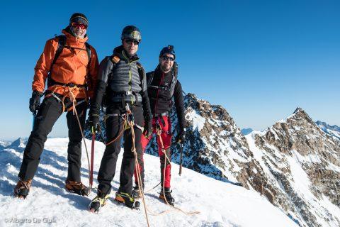In cima alla Zumsteinspitze. Spaghetti Tour, Monte Rosa.